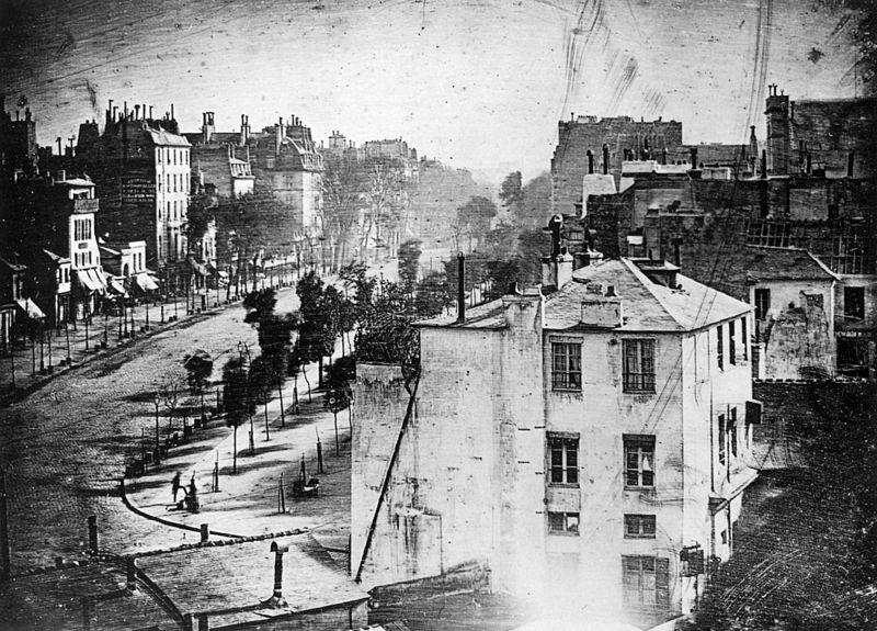 800px-Boulevard_du_Temple_by_Daguerre